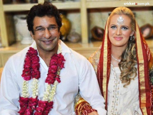 shaniera thompson biography wiki pictures videos
